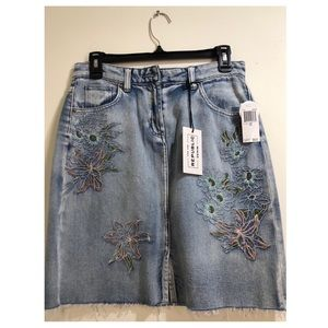 NWT For The Republic denim skirt size 6
